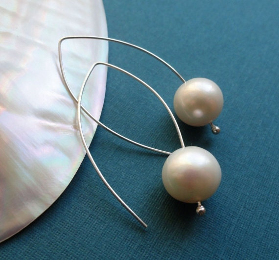 Bridesmaid gift set, Modern freshwater pearl earrings, sterling silver, bridesmaid gifts, round white pearl earrings, Otis B