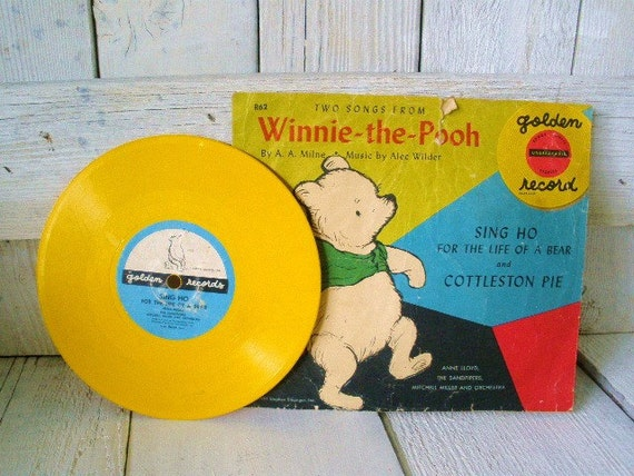 Vintage classic Winnie the Pooh songs record yellow 1951