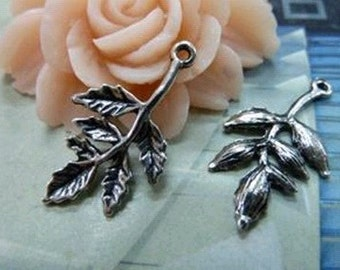 30pcs 16x30mm The Leaves White Charm For Jewelry Pendant