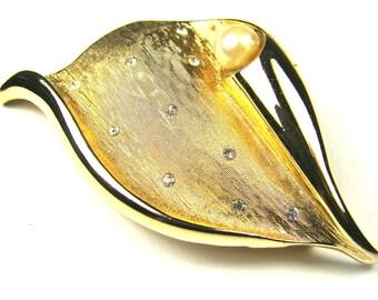 Vintage Gold Shell Brooch