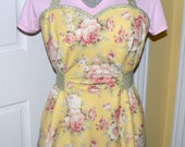 Retro Women's Full Apron - Sweetheart Neckline - Yellow Roses Floral