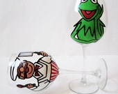 MUPPET - wine glasses - set of 2 - hand painted - choose your characters