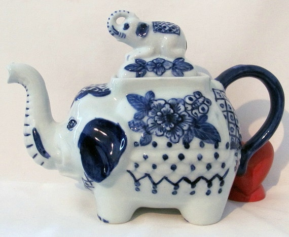 Vintage Porcelain Elephant Teapot With Elephant Lid By