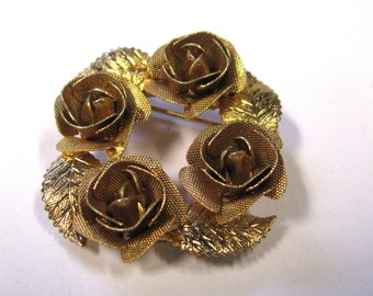 Vintage Judy Lee rose wreath Brooch 3D Gold tone Very detailed signed art deco 1960s