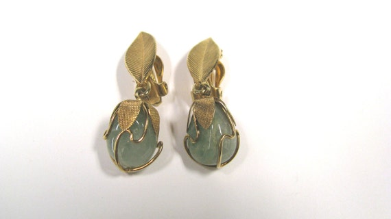 Vintage Wire Wrapped Green Gemstone Clip on dangle Earrings With Leaves