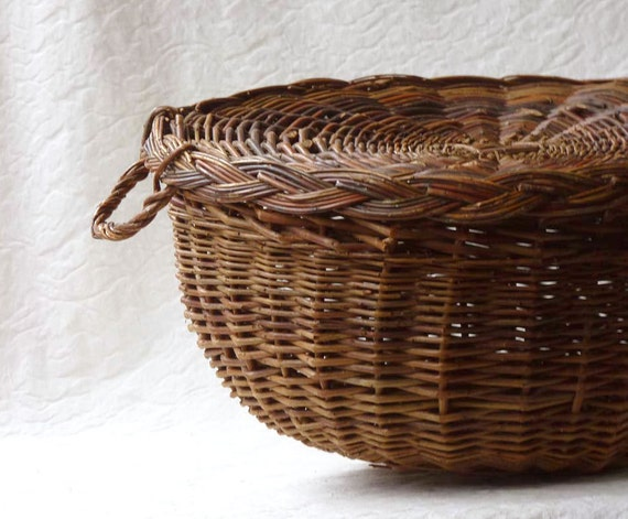 Willow Basket with Lid and Handles, rustic storage, or a domed food tray (asterisk)