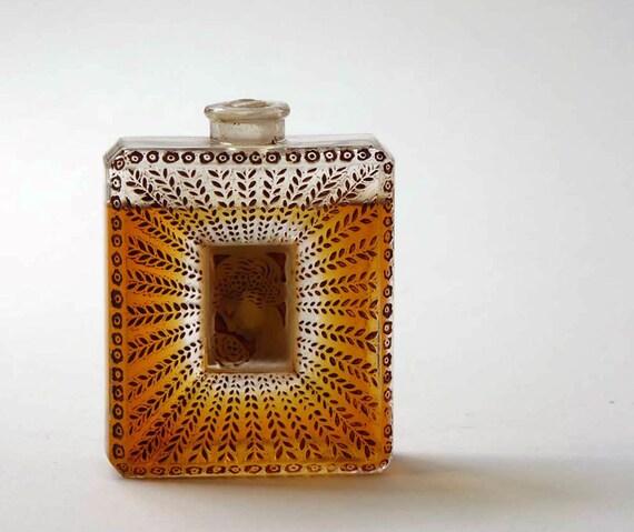 La Belle Saison, Lalique Perfume Bottle 1925, tragic flaw