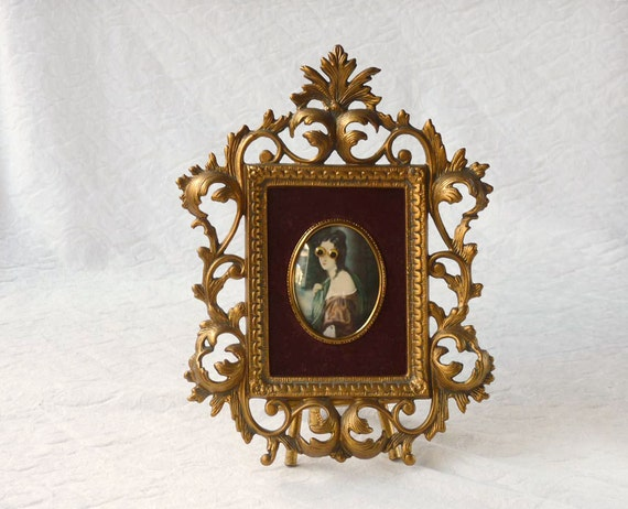 Ornate Gold Frame, Cameo Creations Plastic Rococo for your wall