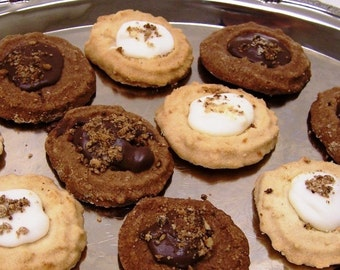 Oma Gisi's Chocolate & Vanilla Spritz Cookies (Box of 24)