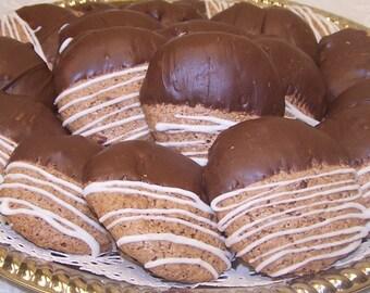 Oma Gisi's Walnut Macaroons (14)