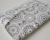 Kindle fire gadget pouch : Michael Miller envelope style in dark grey and white in lace with flap.
