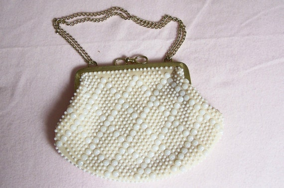 Vintage Ivory Beaded Clutch Purse with Diamond Geometric Pattern, Gold Frame and Chain