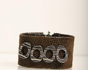 Nice  snake printed leather wristband