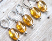Snag Free Stitch Markers in Golden Amber Glass, Set of 5