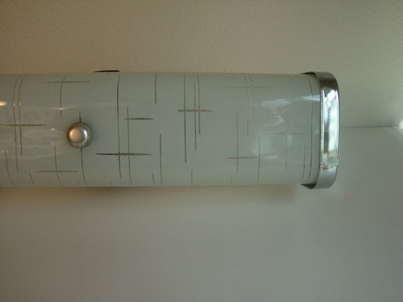Vintage mid century bathroom frosted vanity light fixture for Vintage bathroom lighting fixtures