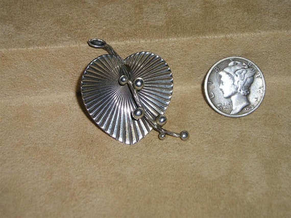 Sterling Silver Vintage Pin 1940's Heart Signed Beau Jewelry 3013