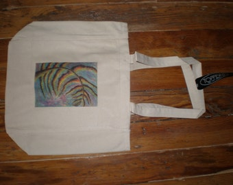 "basic totebag with ""Windblown Tree"" print"