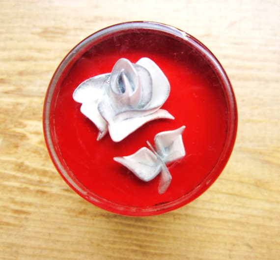 Vintage Neckers Knob - Intaglio White Rose on Ruby Red Background Steering Wheel Lucite Spinner, aka Suicide Knob - Rat Rod Hollywood Brand