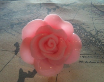 Jewelry Rings Baby Pink Colored Rose Cabochon Ring with a Filigree Setting Oversized and Adjustable