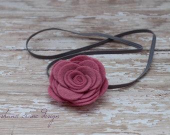 Rosie . Headband . Engligh Rose Pink Felt Rose