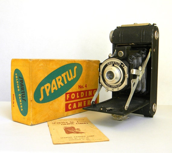 Spartus Folding Camera No. 4 vintage - Made in USA