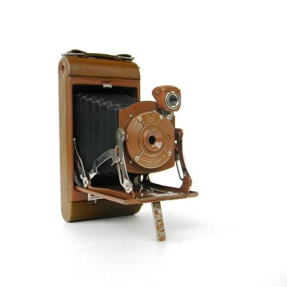 Art Deco Kodak folding camera - Junior No. 1 in rare rich brown - 1929