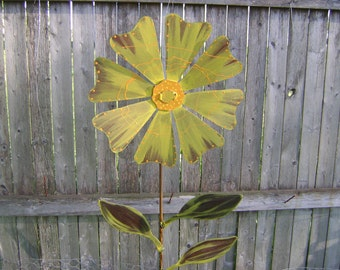 Wild Flower Garden Stake, Metal Garden Art, Painted Flower Yard Stake, Metal Yard Art, Metal Flower Yard Stake, Metal Flower on Stake