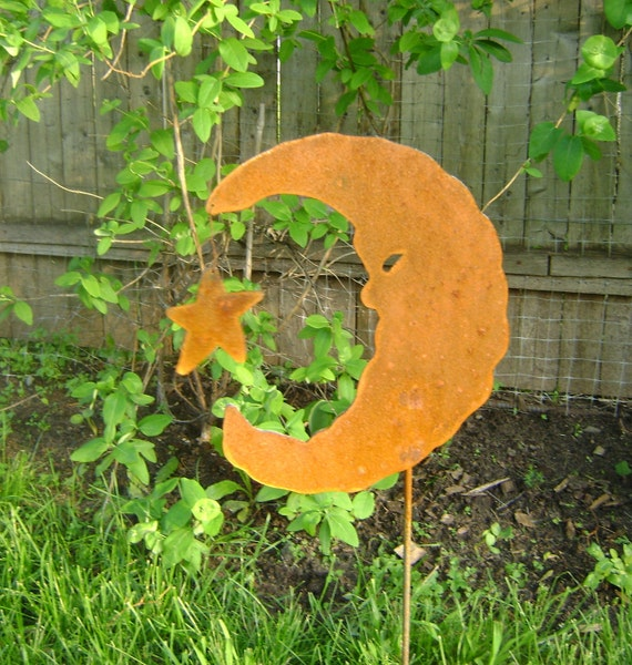 Metal Garden Art, Moon with Star Yard and Garden Stake