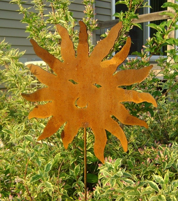 Metal Garden Art, Sun Yard and Garden Stake, metal garden ornaments, rusted metal yard stake, rusted sun stake