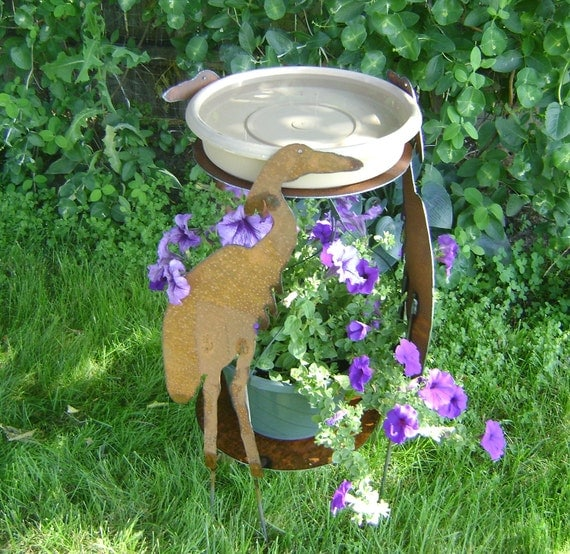 Bird bath, Metal Garden Art, Sculptured Metal Heron Bird Bath, Metal plant stand and bird bath, garden bird bath, yard ornament