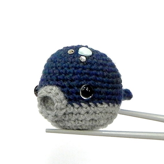 Crochet amigurumi - Moonlight baby ball whale MochiQtie - Mochi size Amighrumi toy / doll
