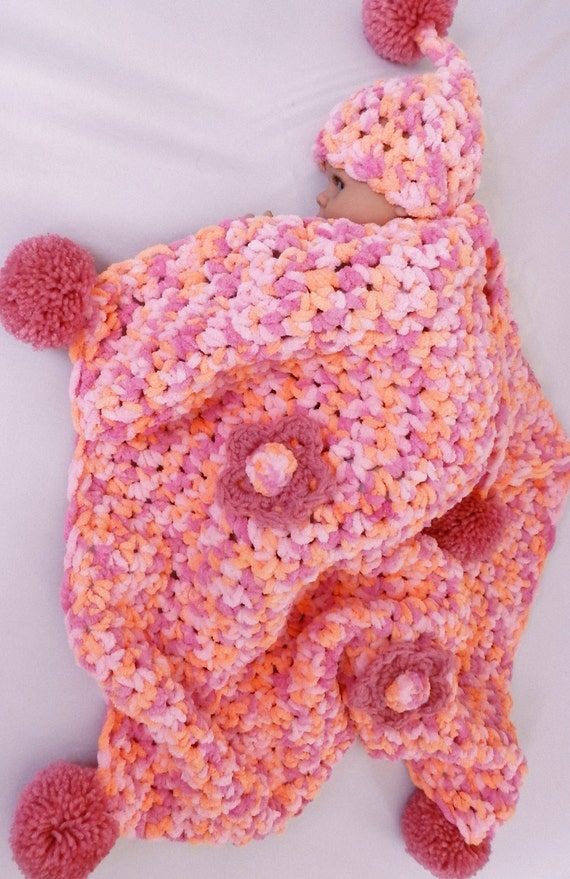 Clearance! CUTE Baby Shower's Gift Idea - blanket bulky soft  with newborn hat Photo Prop. baby first visit, baby shower gift baby afghan