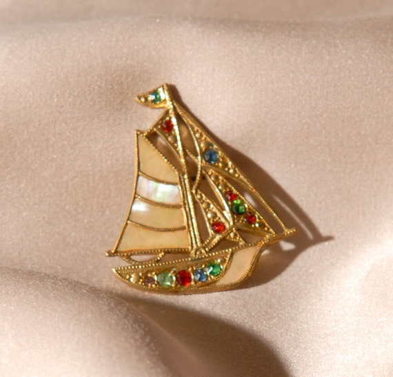 1920s Mother Of Pearl Sailing Ship Brooch