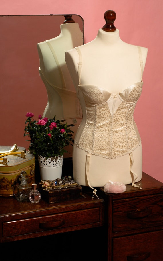 Vintage Cream Bridal Corset Suspender Top - U.K Bra Size 32 B/C