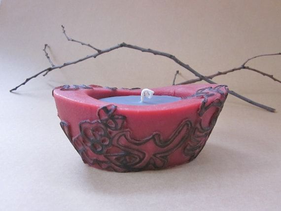Beewax / palmwax Candle, Medium Chantilly Graphic Design Natural Wax Candle, Eco-Friendly Wax Candle, Red with Black Graphics