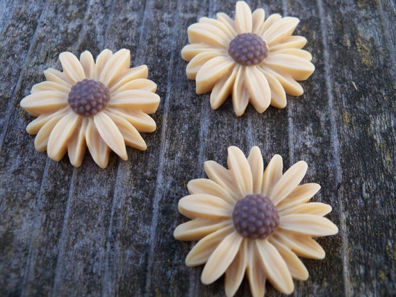 Tan Sunflower Cabochon, Resin, 27mm 4 pcs