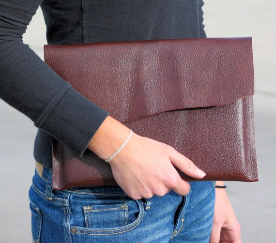 iPad Sleeve - Brown Leather - For Men and Women