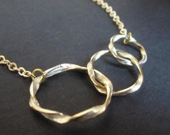Triple Circle Necklace, Gold Circle, Triple Link, Ring Necklace, Wedding, Three Circle, Gold Necklace, Bridesmaid Necklace, Bridesmaid Gift