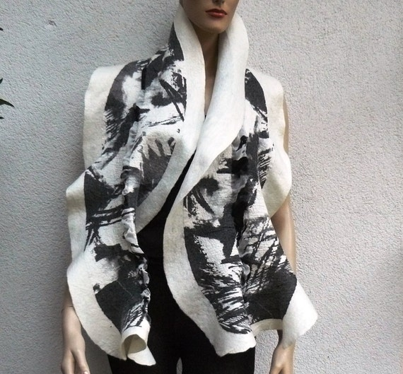 Nuno felted  scarf wool  - Black and White