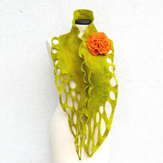 Felted Scarf merino wool silk Handmade Nuno felting shawl -  Green  -  Gift brooch