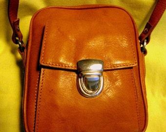 Vintage Wilson leather bag ON SALE