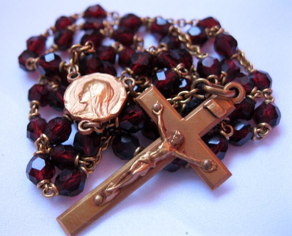 FREE SHIPPING in the US: Vintage Red and Gold Rosary with Faceted Glass Beads, Brown Leather Case