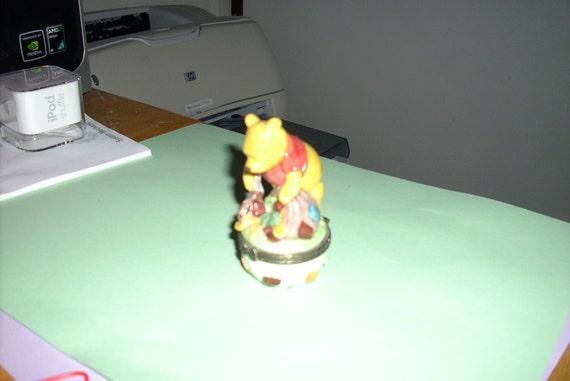 Disney's Wnnie the Pooh Trinket Box with Key Inside