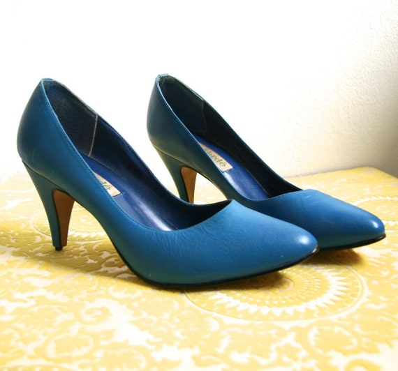 Vintage Crisp Blue Pumps 8 - 7.5