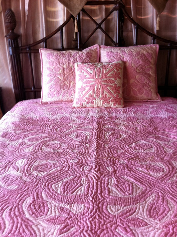 Vintage HAWAIIAN Pink Queen Size Quilt and Pillows TREASURY ITEM - Sale from 900.00