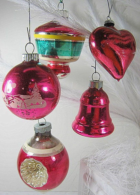 Antique PINK MERCURY Glass Christmas ORNAMENTS Set of 24 Indents Mica Snow