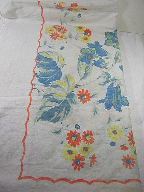 Vintage Texas BLUEBELLS TABLECLOTH Colorful Blue Bouquets