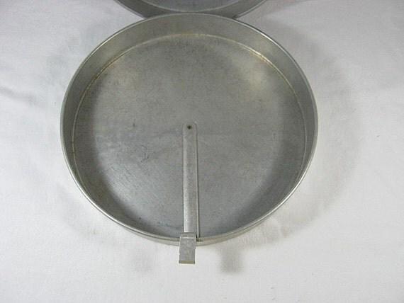 Vintage TIN CAKE PANS Baking Easy Lift Farmhouse Style Set of 2