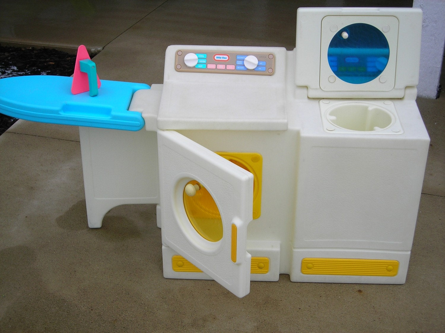 vintage little tikes washer and dryer with ironing board iron. Black Bedroom Furniture Sets. Home Design Ideas