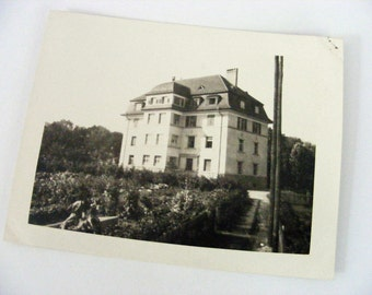 Lovely Estate Vintage Photo